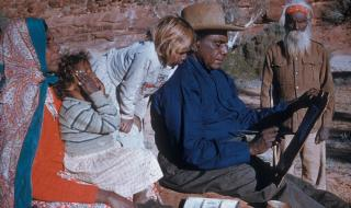 gross_namatjira_still-_albert_namatjira_with_grandchildren